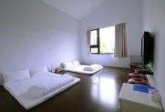 room_b12
